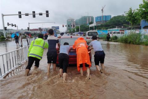 暴雨袭城 宜昌保险行业全力以赴保障群...