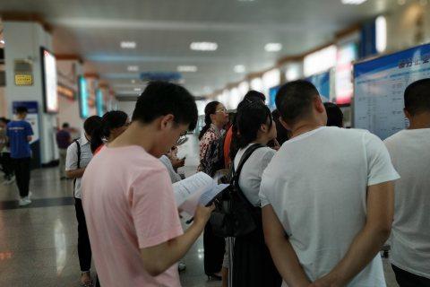 2019宜昌市大學生金秋招聘會成功舉辦