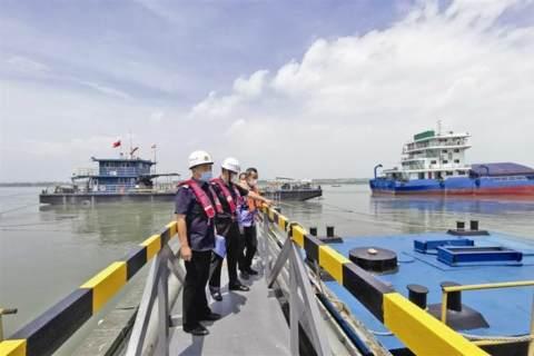 水运高质量发展 江豚中华鲟回归