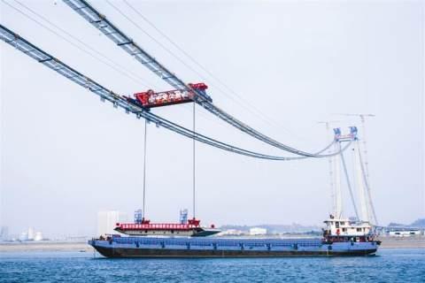 伍家崗長江大橋開始鋼箱梁施工